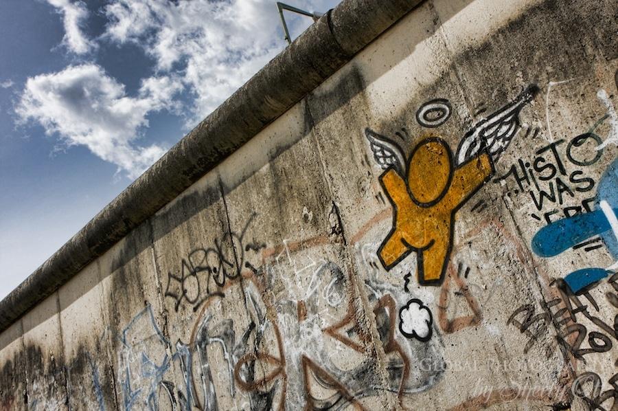 Berlin wall angel