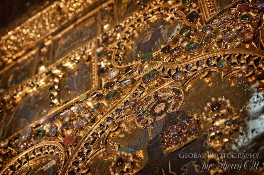 golden altar venice