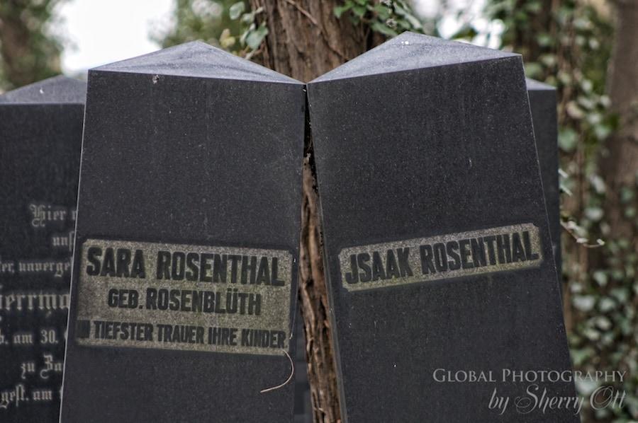 gravestones Berlin