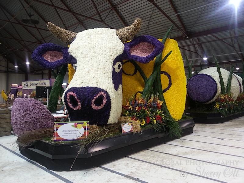 flower parade float