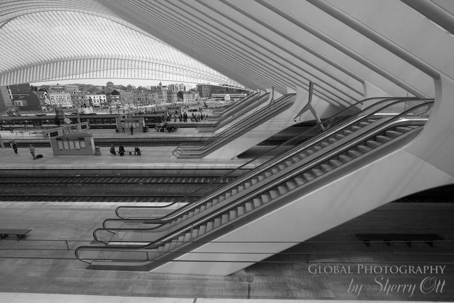 escalator liege train station