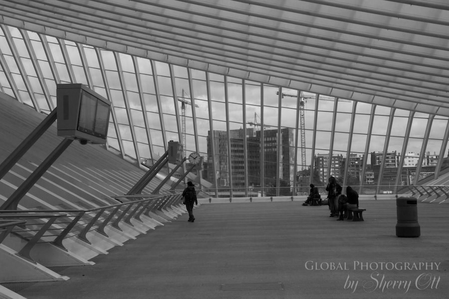 Liege train station pictures