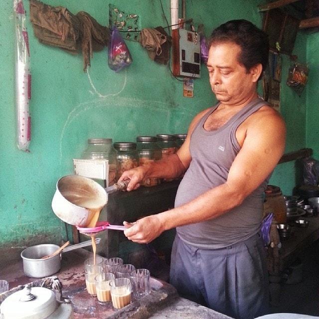roadside breakfast in India on the Rickshaw run