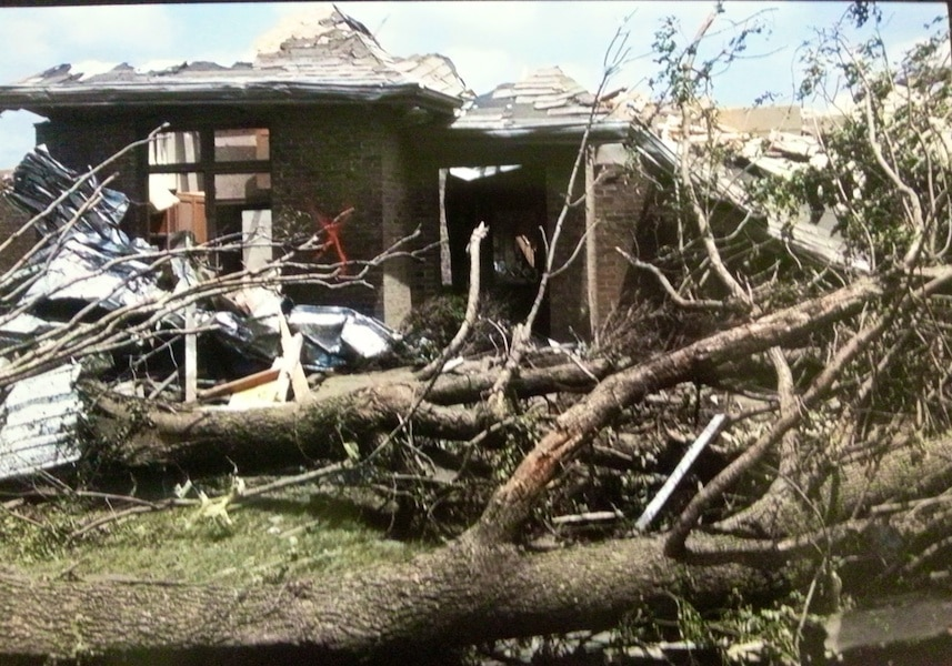 Tornado desctruction