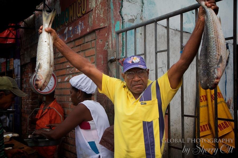 Bazurto Market Fish monger