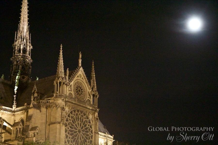 notre dame full moon