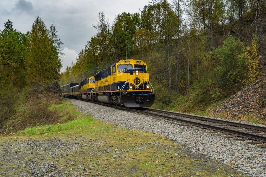 Alaskan Railroad hurrican turn train