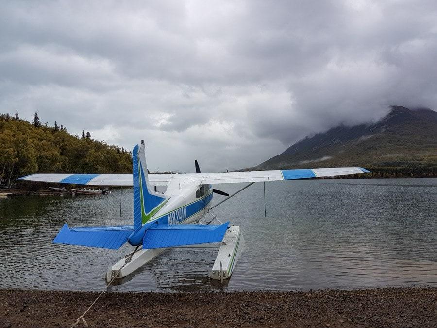 twin lakes float plane