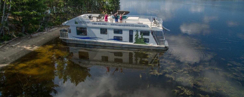 houseboat vacation canada