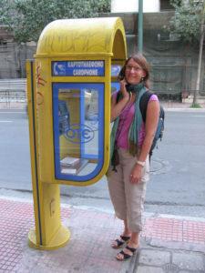 solo travel communication