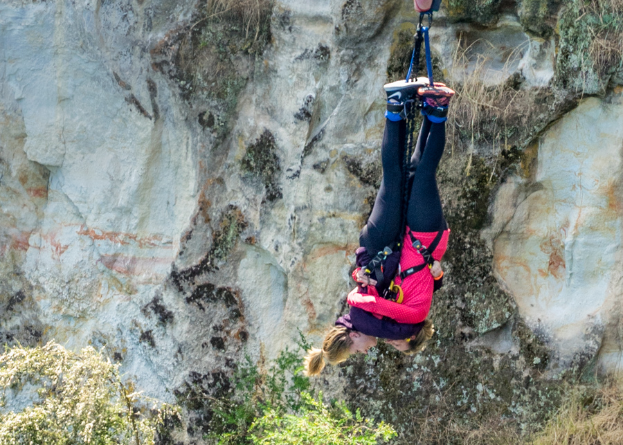 bungee jump teenager