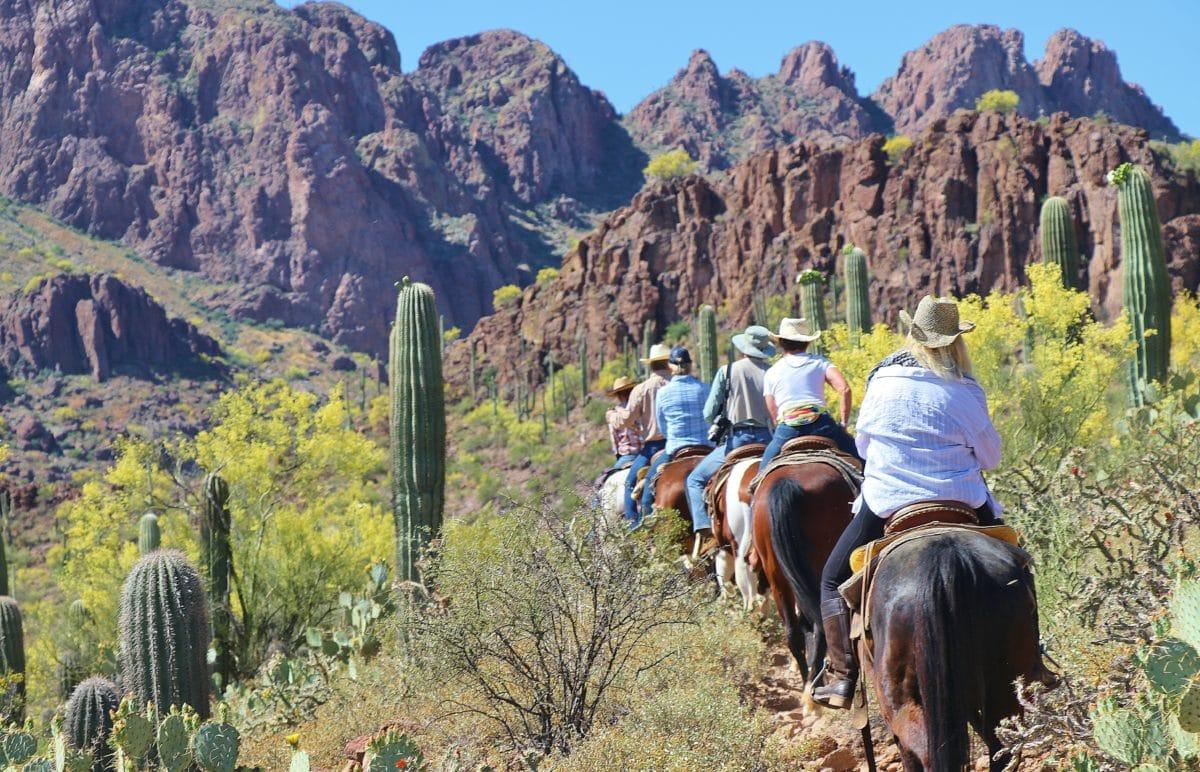 dude ranch horse riding arizona