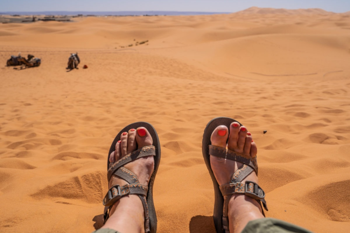 summer hiking with chacos