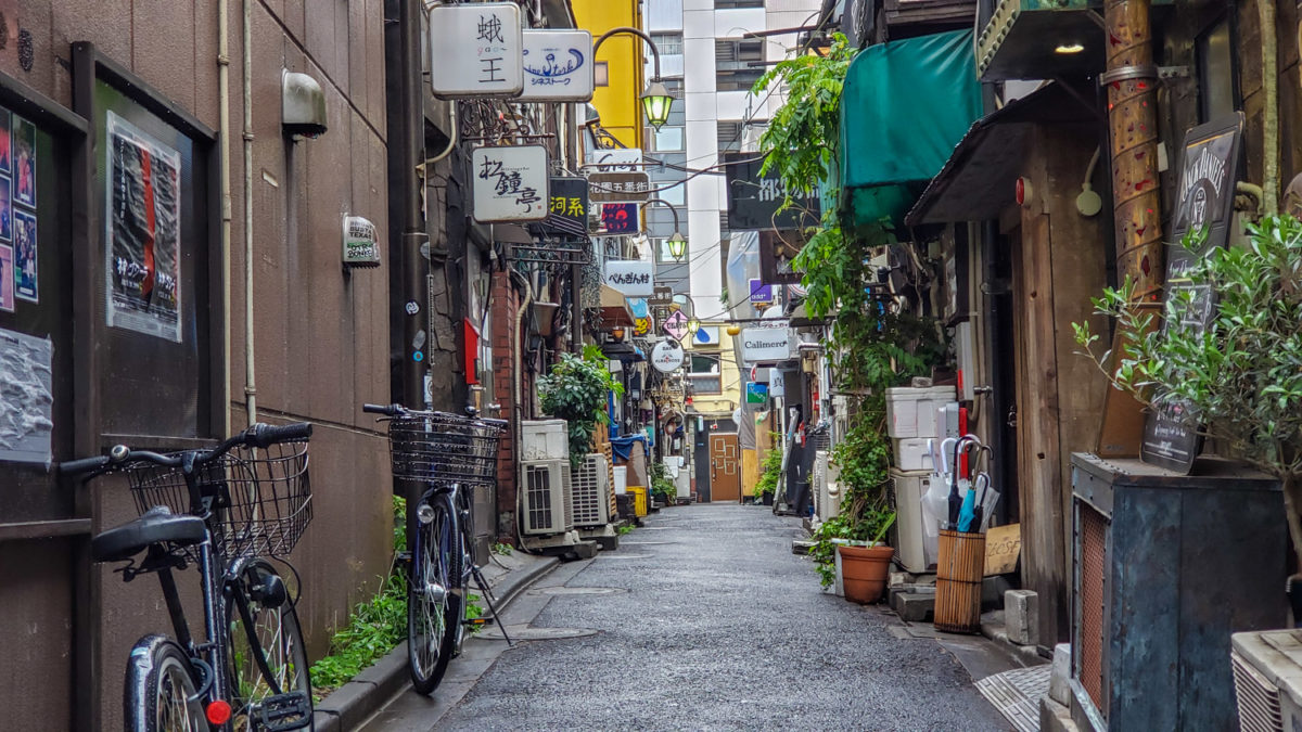 golden gai alley  places to visit in tokyo