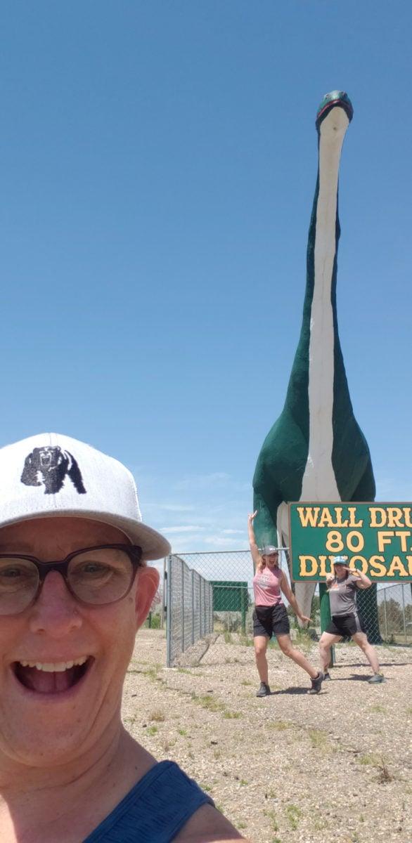 wall drug dinosaur western south dakota