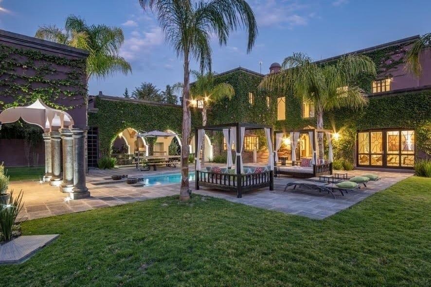 Retreat villa mexico