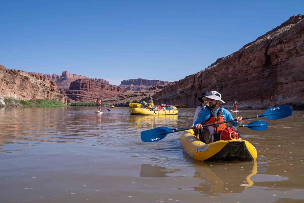 Oars cataract canyon rafting boats