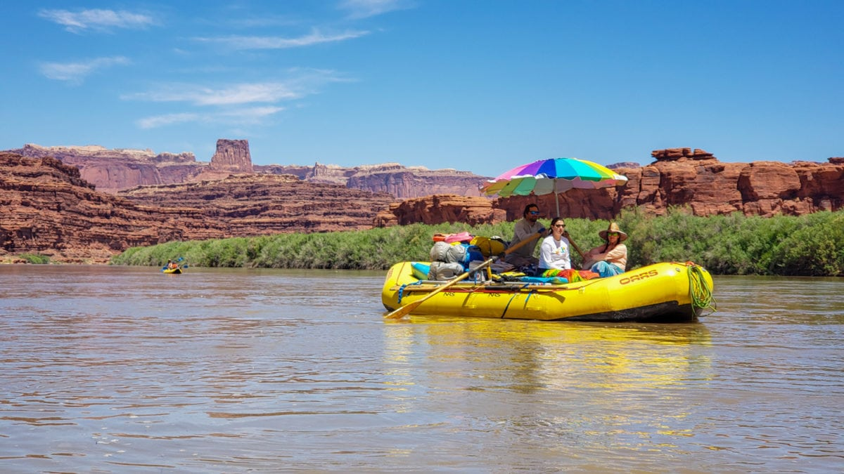 floating on the colorado river canyonlands